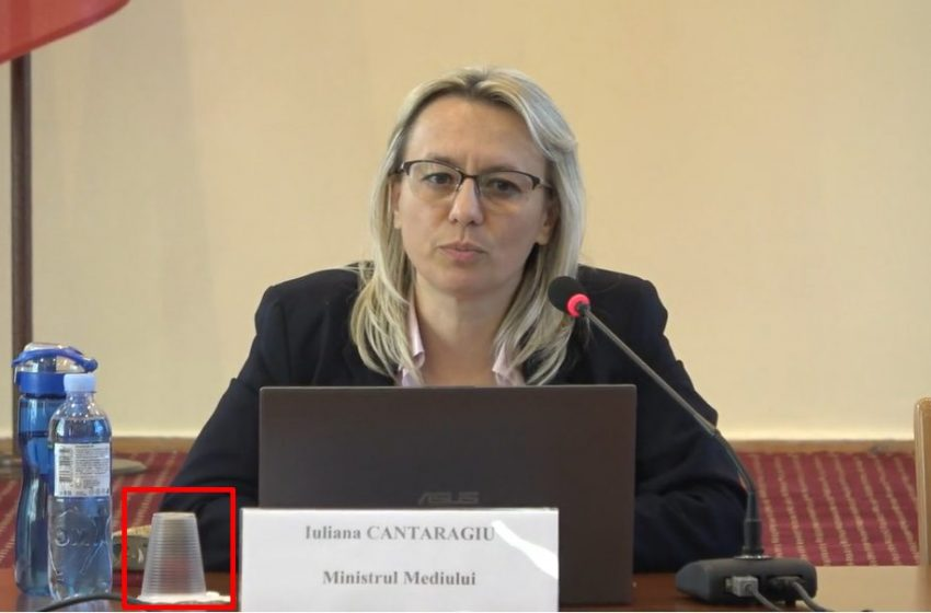 FOTO/ Interzise prin lege, paharele de plastic oferite participanților la consultările publice privind proiectul Planului de acțiuni al Guvernului în domeniul protecției mediului