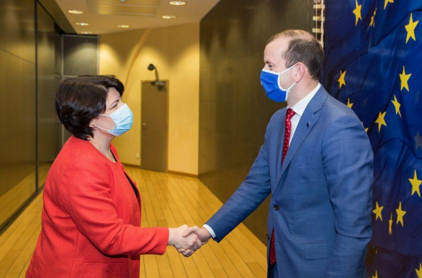 Premierul Gavrilița a discutat cu comisarul European pentru Mediu, Oceane și Pescuit. Subiectele abordate